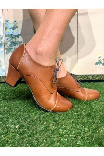 Felice Shoes in Brandy